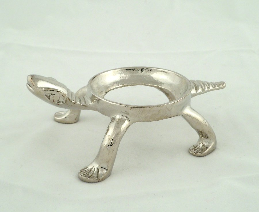 Silver colored turtle sphere stand – large Accessories sphere stand