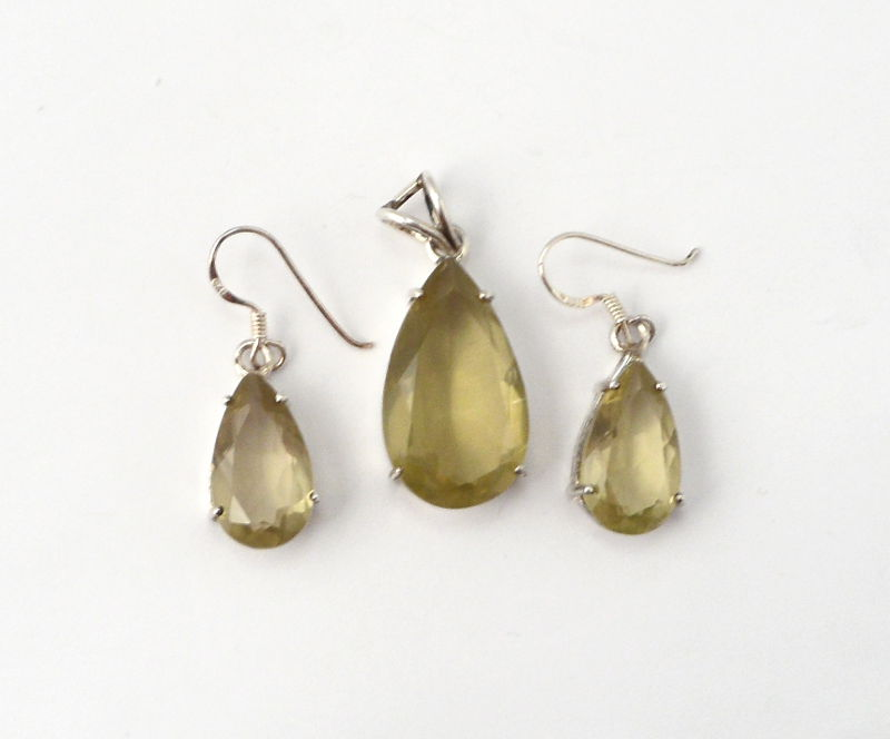 Green Quartz (Quartz Verde) Pendant and Earrings Set All Crystal Jewelry earrings