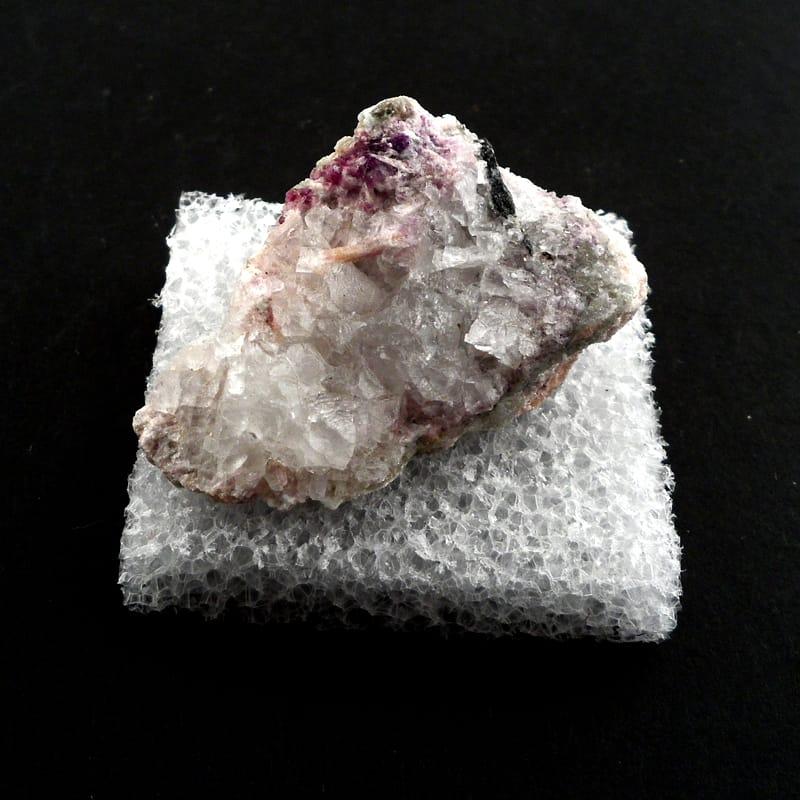 Clinozoisite with Fluorite Mineral Specimen Raw Crystals clinozoisite